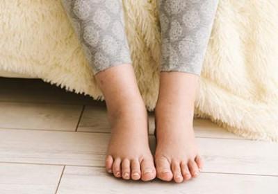 10 روش برای کاهش تورم پا در دوران بارداری