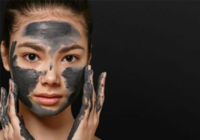 مزایای ماسک صورت زغالی چیست؟